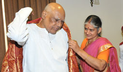 Dr. Dharini Krishnan with  Dr.Rosiah, Governor of Tamilnadu